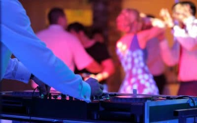 Hiring Wedding DJs? Ask These 5 Questions